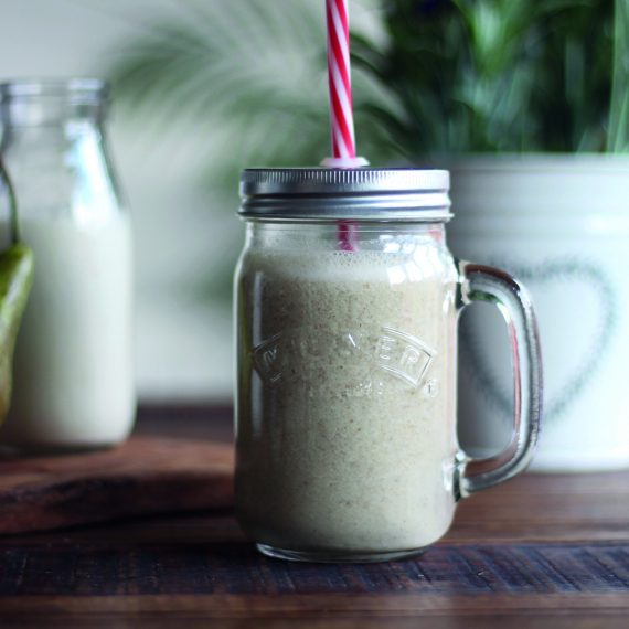 Oatbran and Pear Energy Smoothie