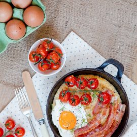 Oatmeal and Polenta Breakfast Skillet