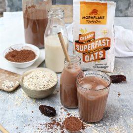 Iced Chocolate and Vanilla Homemade Oat Mylk