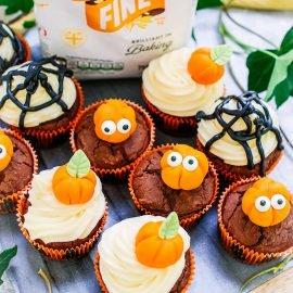 Pumpkin and chocolate oatmeal cupcakes